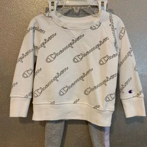 Toddler Girl's Two-Piece Champion Outfit/ SIZE 4T